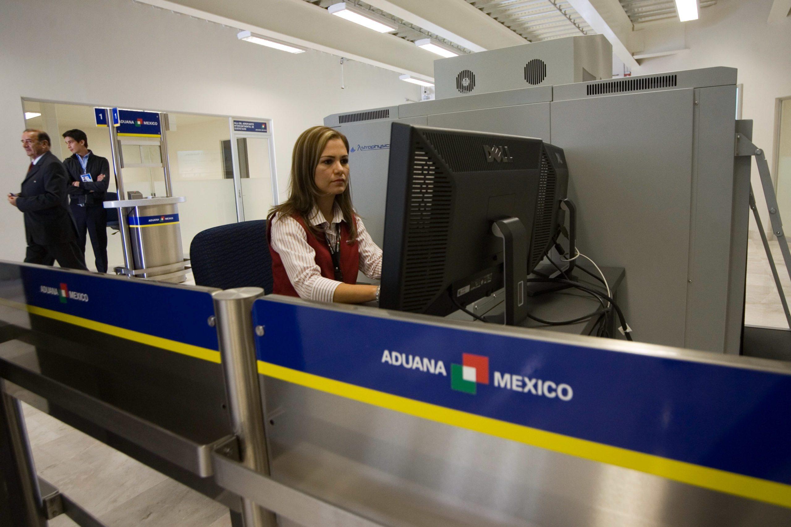 Env An Iniciativa Para Armar A Agentes De Aduanas Y