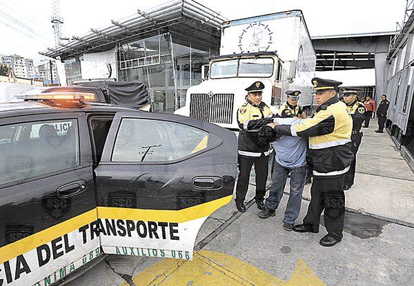 Photo of En 11 estados se concentra el robo al autotransporte de carga y pasajeros