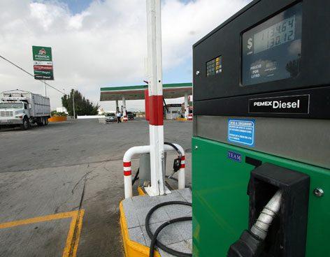 Photo of Se dispara precio del diesel  hasta por arriba de los 22 pesos tras anuncio del NAICM