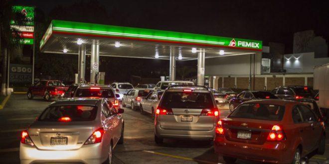 El precio de la gasolina por la compra al por mayor